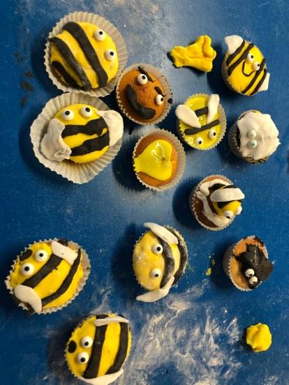 Bumble bee cupcake making